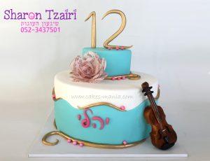 עוגת בת מצווה בנושא מוזיקה עם כינור