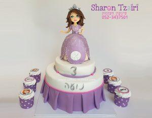 עוגת הנסיכה סופיה וקאפקייקס תואמים