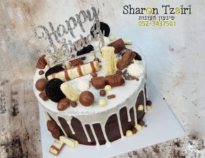 עוגת שוקולדים נוטפת ומושחתת
