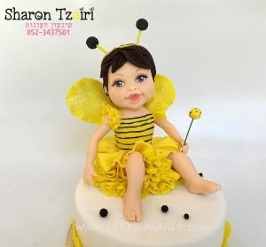 טופר תינוקת בתחפושת דבורה
