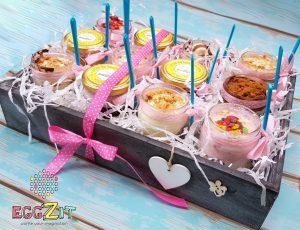 מארז צנצנות קינוחי גלידה מפנק שמתאים ליום הולדת, יום האהבה או מתנה לחג.